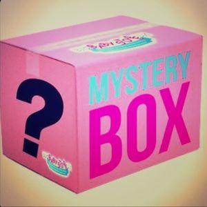 5 Piece 12 Months Baby Girl Mystery Box K22